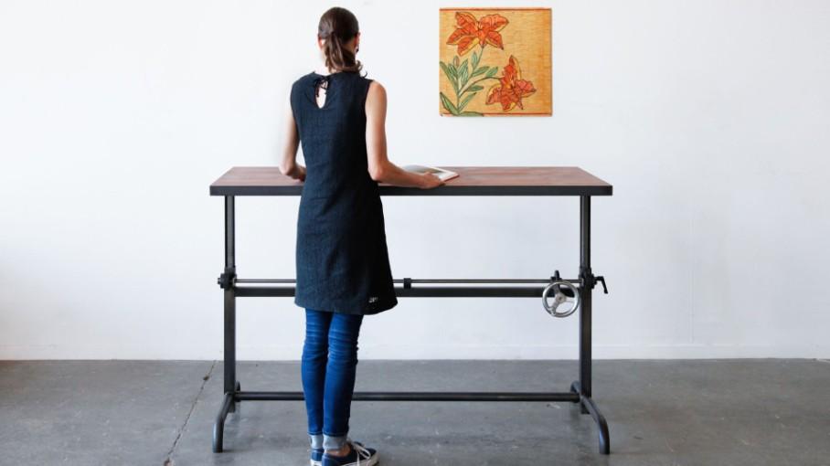 Standing desk by Ohio Design