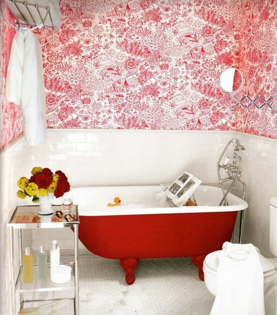 Bathroom; bathtub; red| Image source: Apartment Therapy