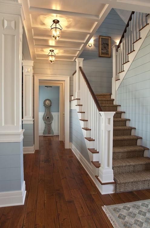 Wood floor; vista; hallway; entryway; stairway| Architect: Herlong Architects / Image source: Design Chic