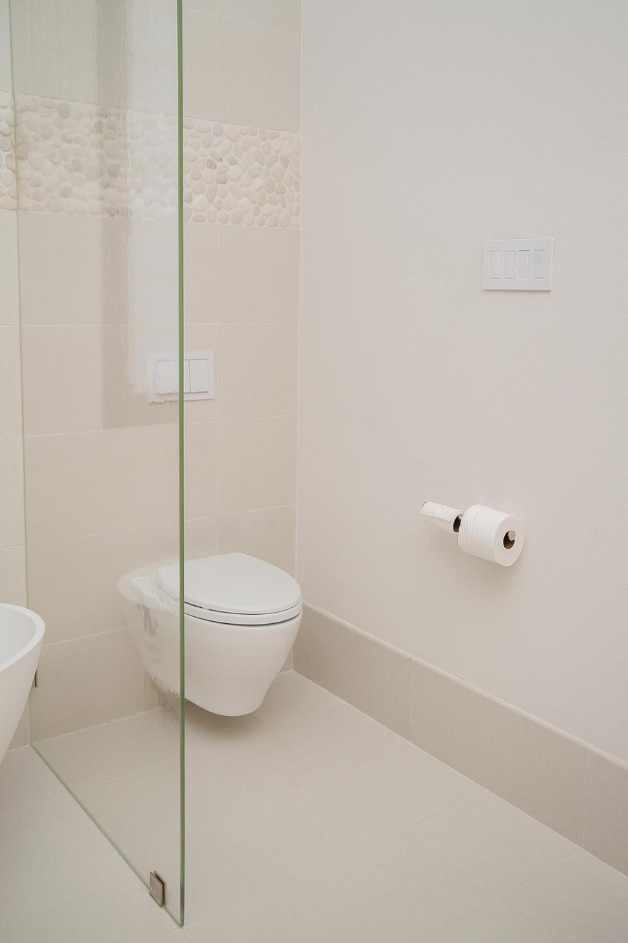 Master bathroom remodel; Toto toilet / comode| Interior Designer: Carla Aston / Photographer: Tori Aston