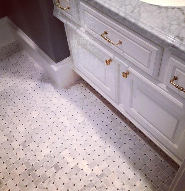Mosaic tile floor; bathroom | Interior Designer: Carla Aston