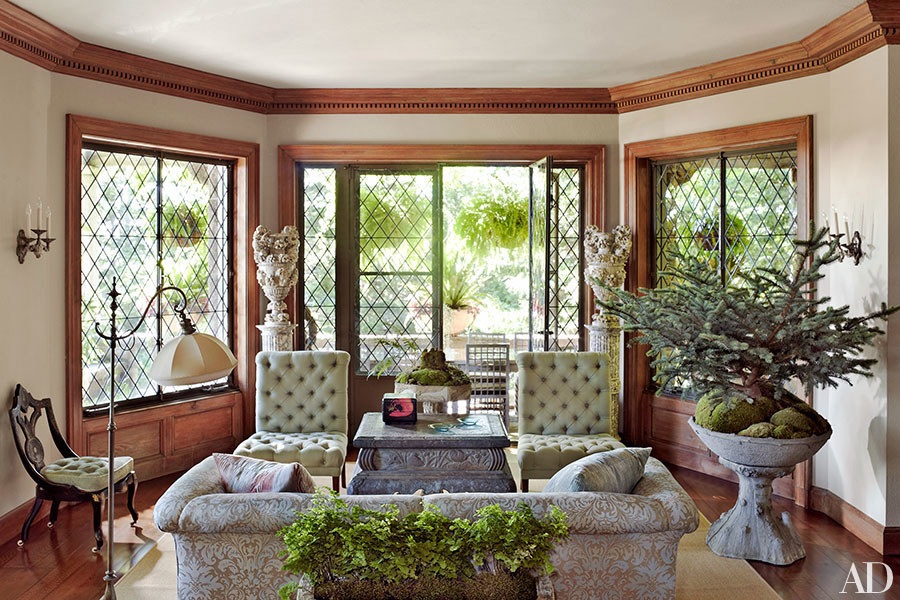 Martha Stewart; house; home; living room; seasonal coloring; color | Image source: Architectural Digest