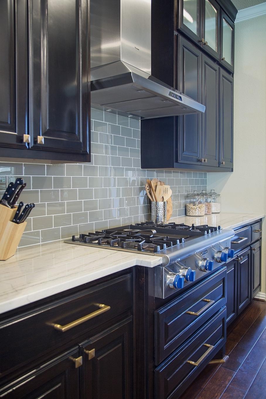 Kitchen remodel; stove; cabinetry; countertop | Interior Designer: Carla Aston / Photography by Tori Aston